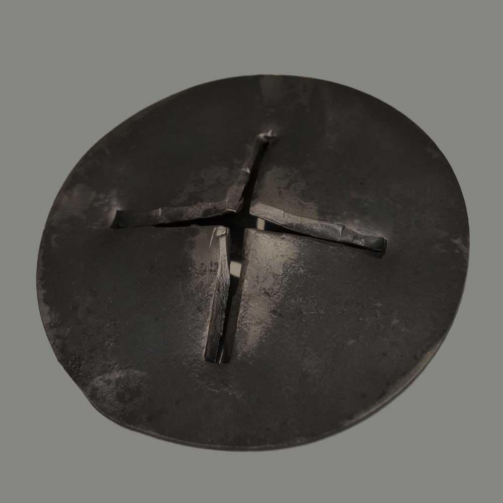 Piastra a croce traforata