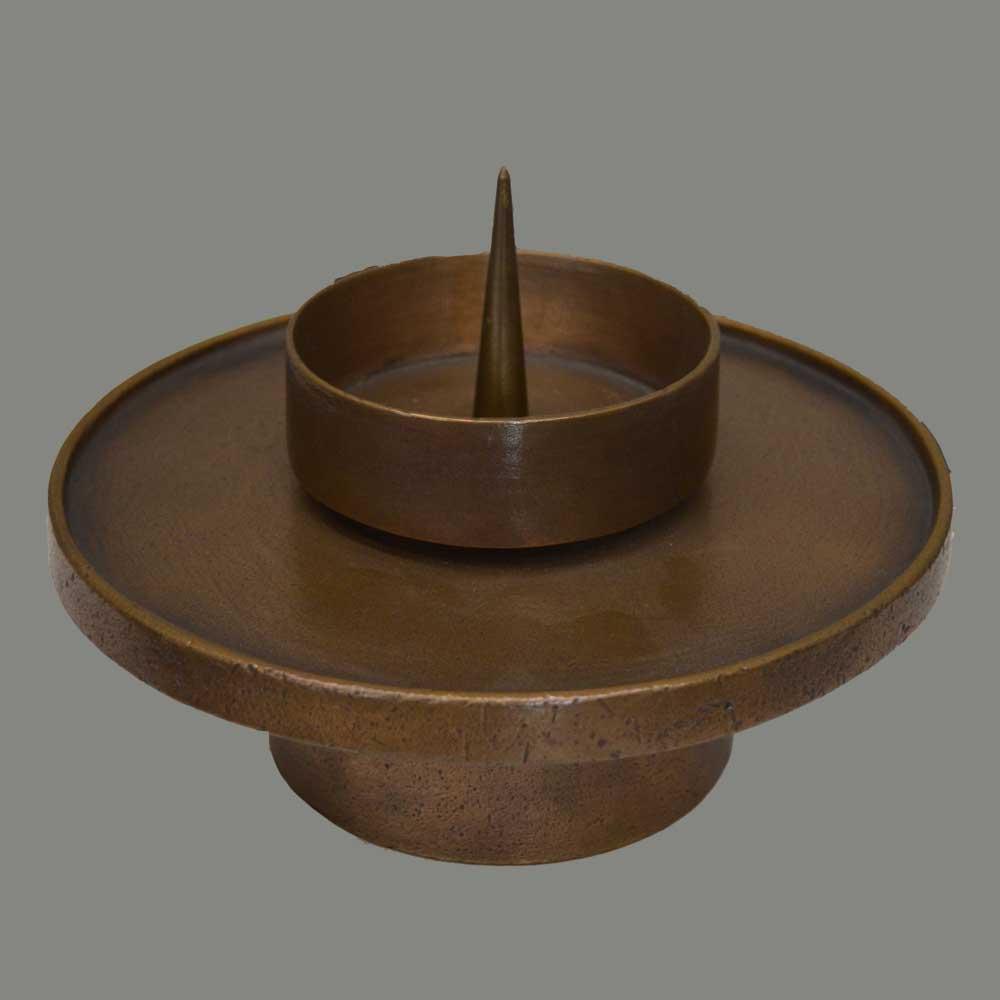 Candelero con placa de bronce